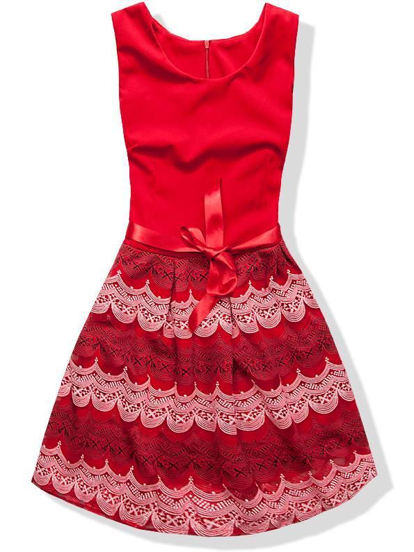 Červené šaty 1538